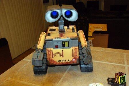 Робот Wall-E