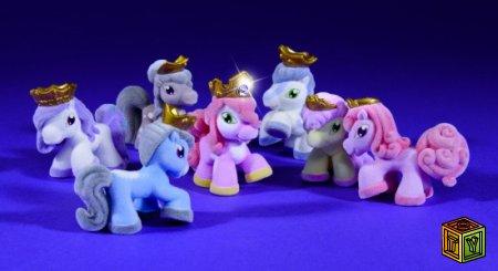 Маленькие коллекционные лошадки